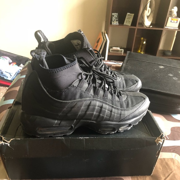 Nike Air Max boots. Men's size 10